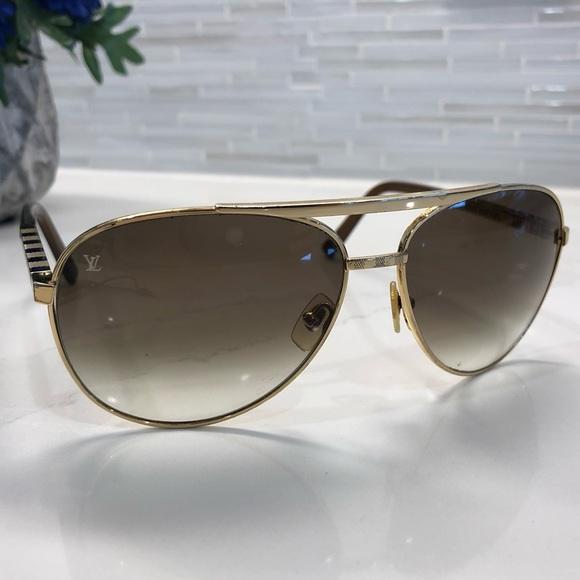 82914d1b39 Louis Vuitton Accessories - Louis Vuitton attitude gold sunglasses 😎